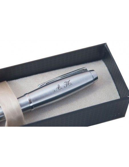 Πένα γραφής με χάραξη.