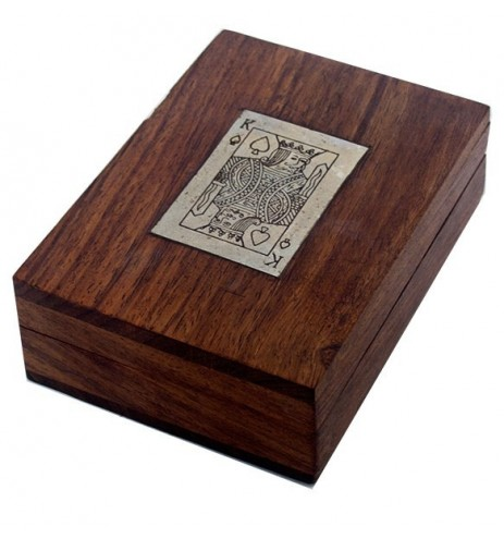 Κουτί ξύλινο με μία τράπουλα